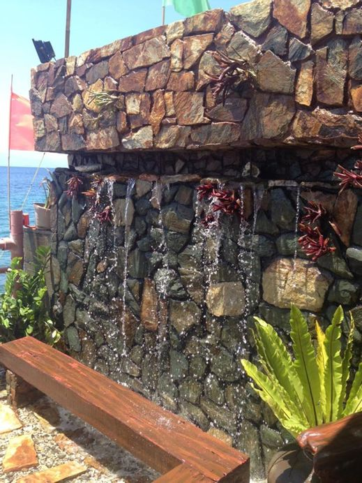 Breazy Beach House, Batangas City