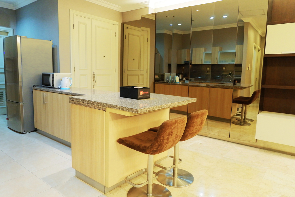 Luxury 2BR The Bellezza Apartment with City View By Travelio, Jakarta Selatan