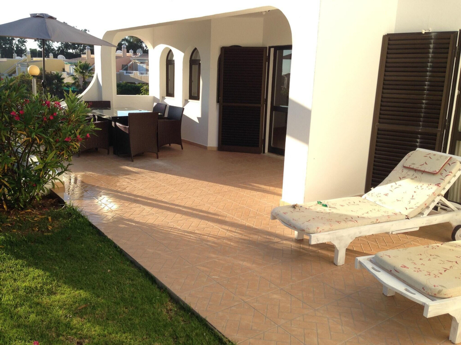 House With 3 Bedrooms in Carvoeiro, With Pool Access, Furnished Garden, Lagoa