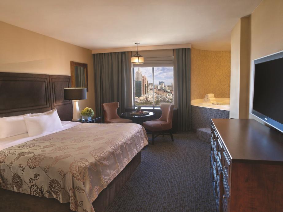 Excalibur Hotel & Casino, Clark