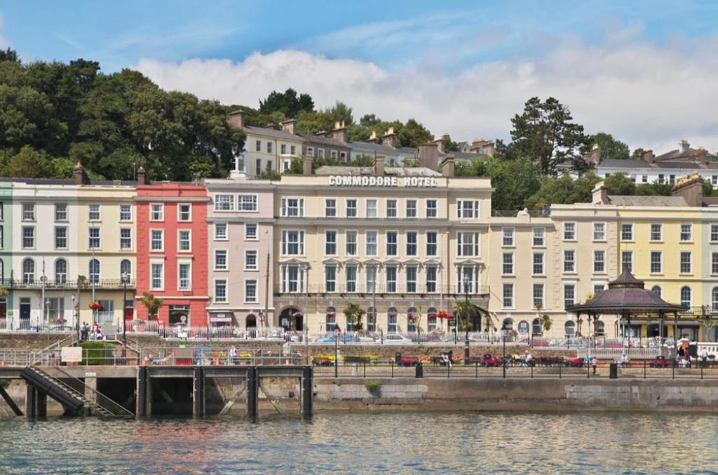 Commodore Hotel,