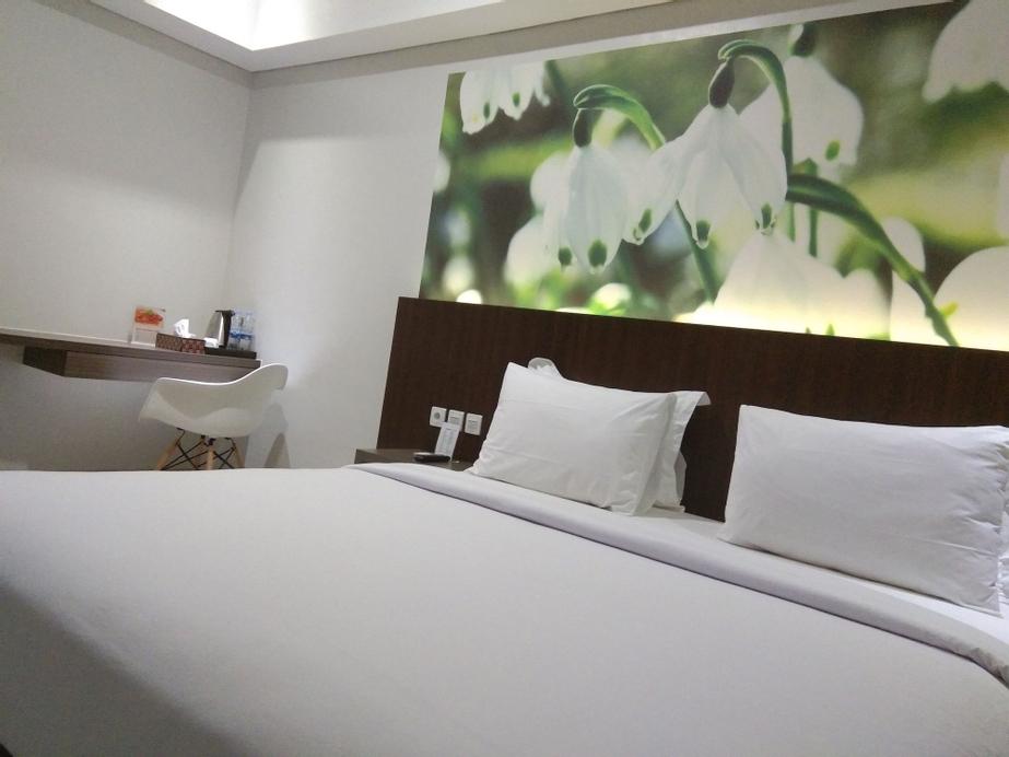 Emerald Hotel, Mimika