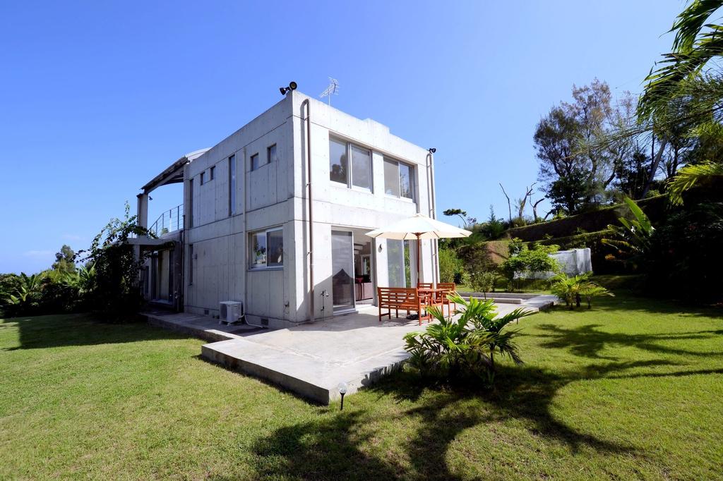 Villa SkyChateau ONNA, Onna