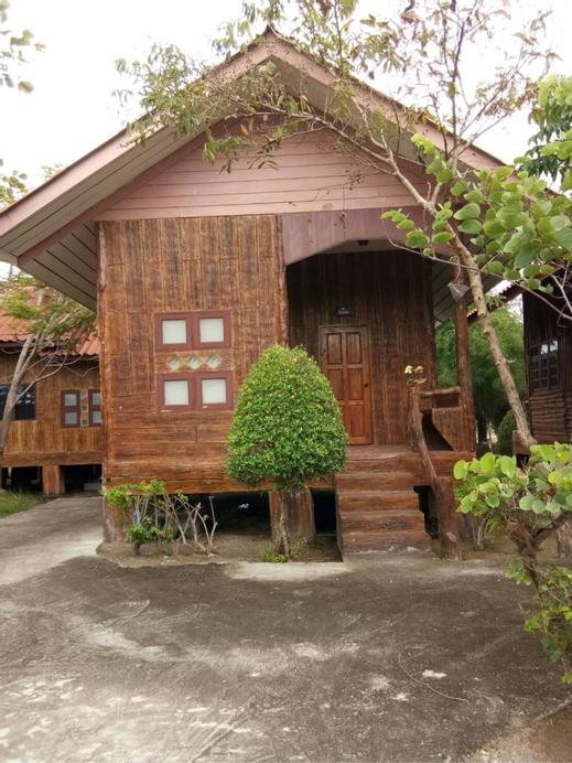 Vassanadee Resort and Camp, Muang Ratchaburi