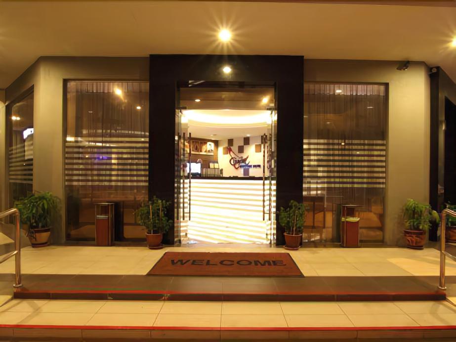Country Hotel, Kuala Lumpur