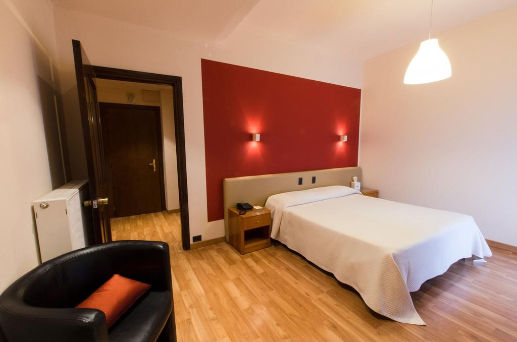 Astor Hotel, Genova