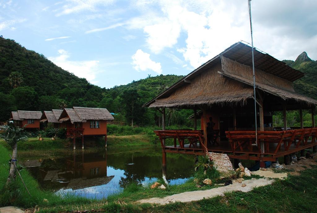 CBT Thung Samroiyod, K. Sam Roi Yot