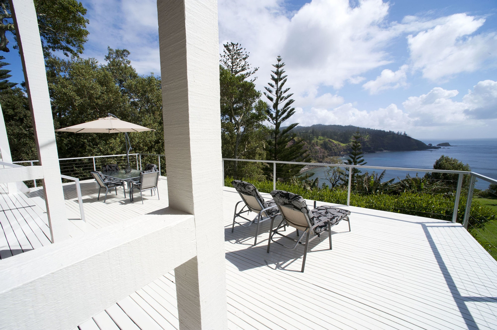 Forrester Court Clifftop Cottages, Norfolk Island