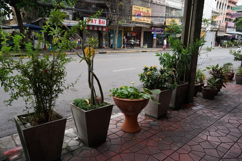Banglumpoo Place, Phra Nakhon