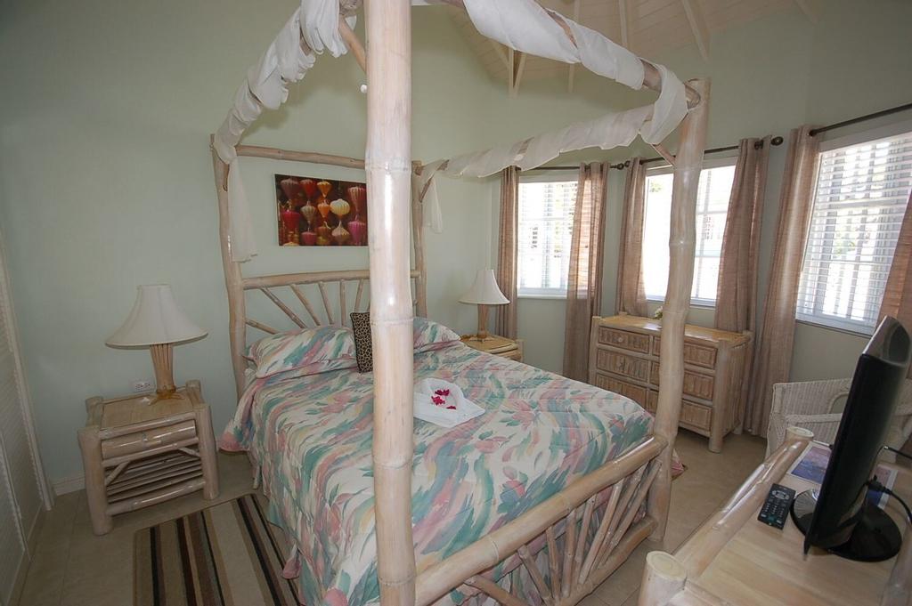 Arawak By The Sea, Silver Sands Jamaica Villas 4BR,