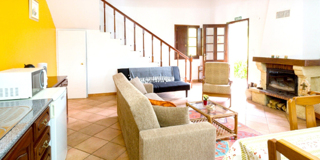 House With 2 Bedrooms in Camacha, With Wonderful Mountain View, Enclosed Garden and Wifi - 12 km From the Beach, Santa Cruz