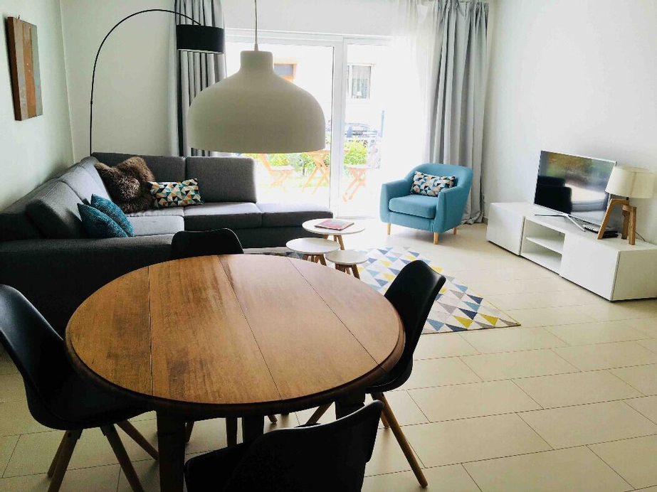 Large Retro Chic Flat 100m2 in City Center - Free Parking, Luxembourg