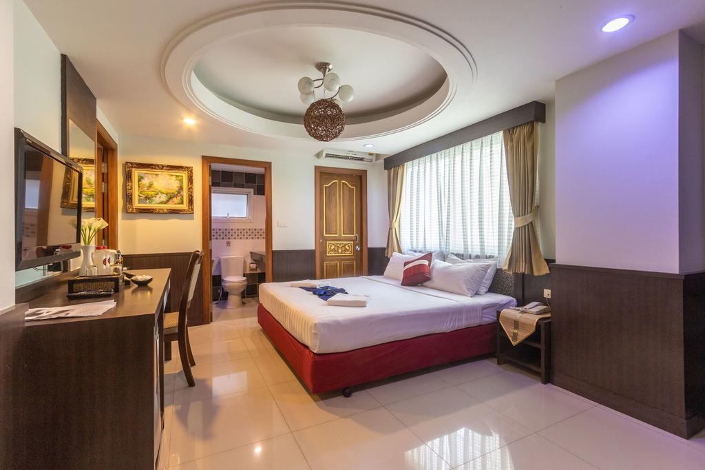 Gusto Pratunam Hotel, Ratchathewi
