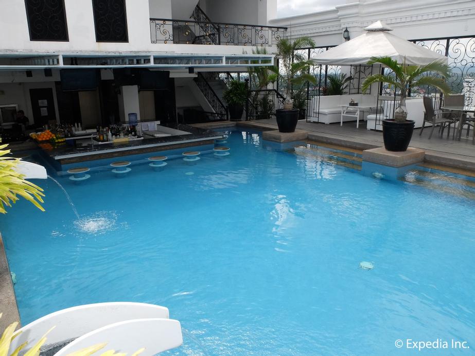 The Penthouse Hotel, Mabalacat