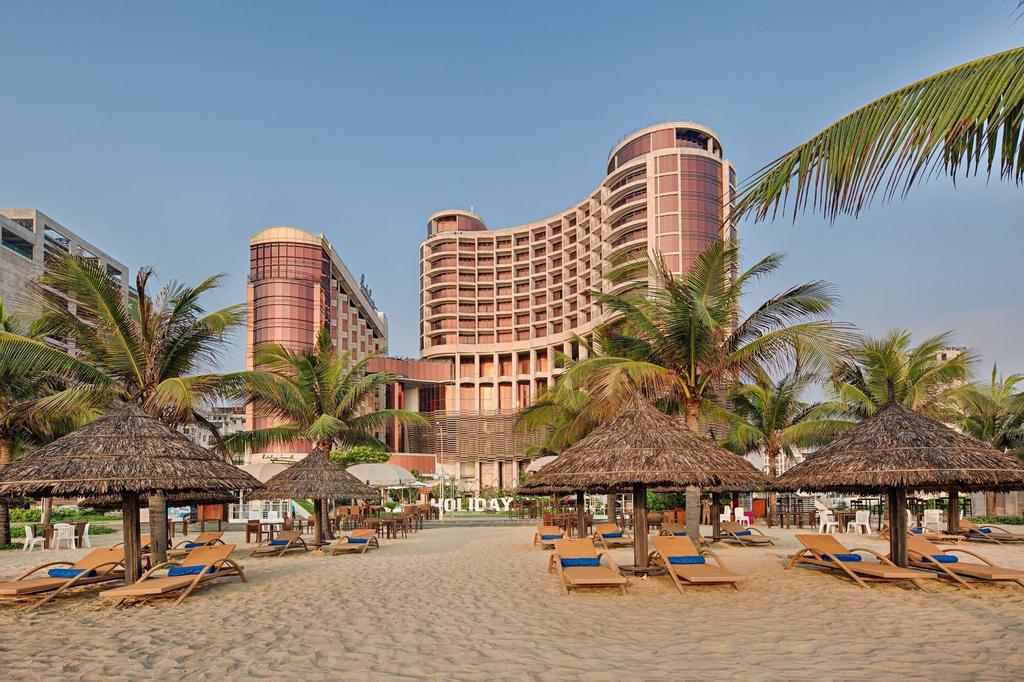 Holiday Beach Danang Hotel & Resort, Ngũ Hành Sơn