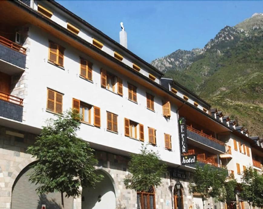 Hotel El Pilar, Huesca
