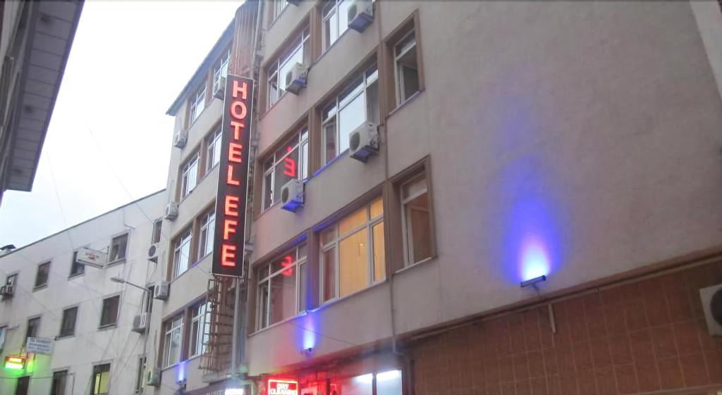Hotel Efe, Merkez