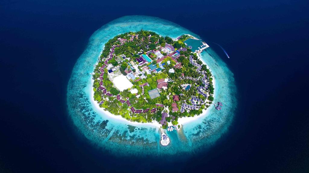 Bandos Maldives, Malé