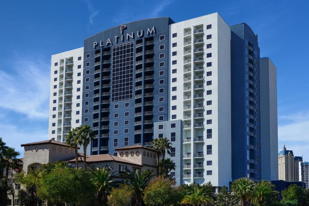 Platinum Hotel, Clark