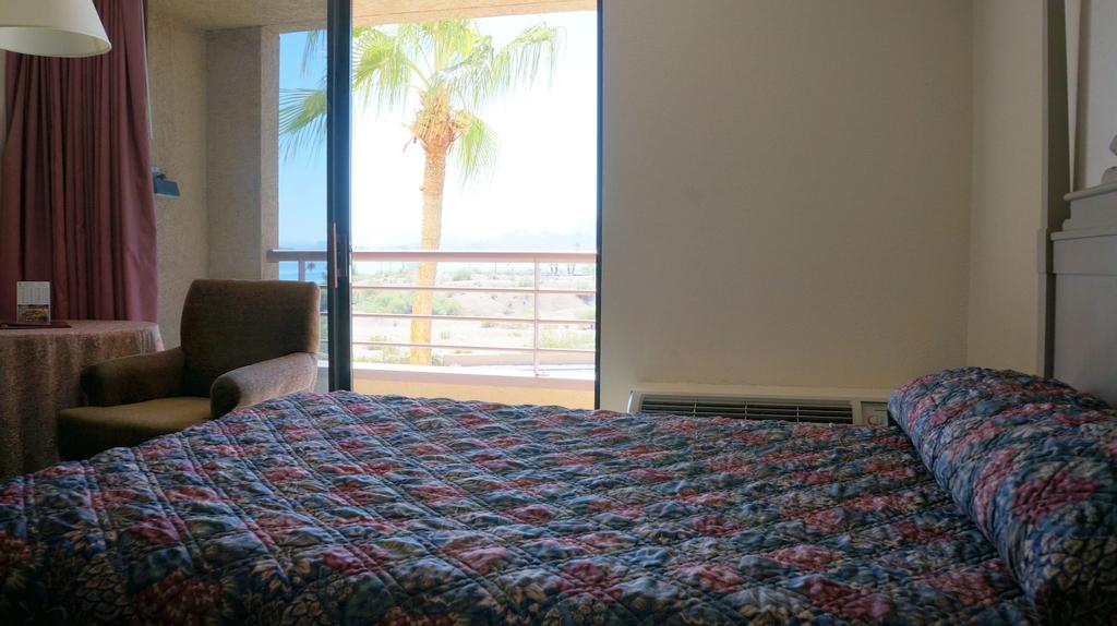 Island Inn Hotel, Mohave