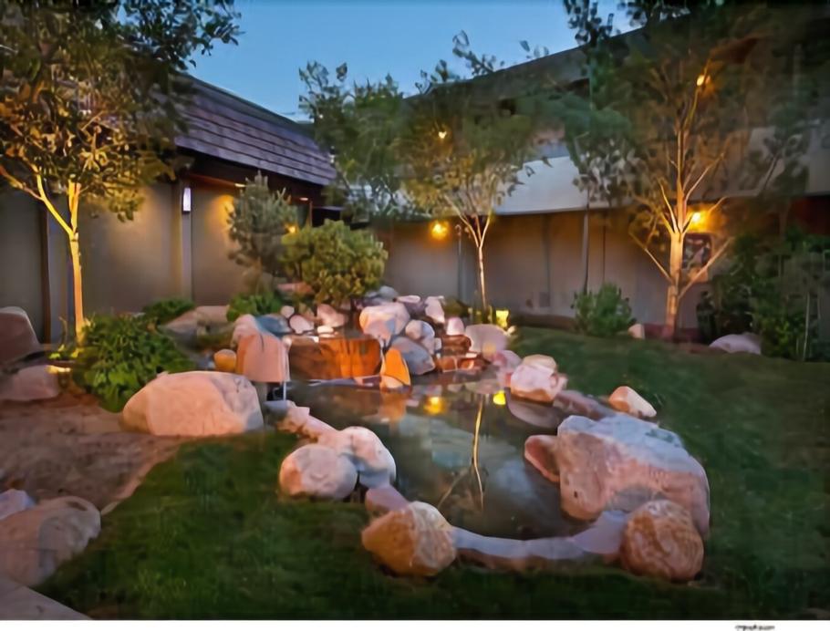 Super 8 by Wyndham Meadow Wood Courtyard, Washoe