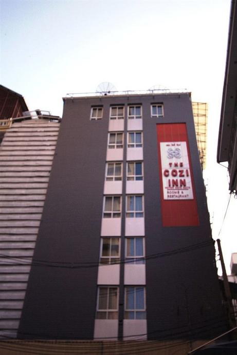 The Cozi Inn, Ratchathewi