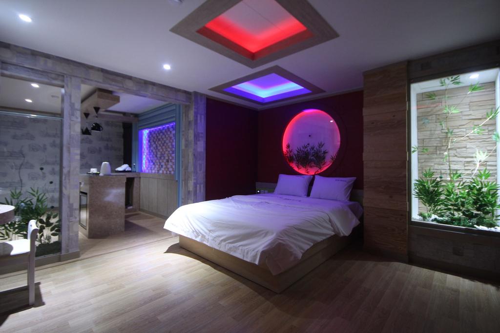 Wow Motel, Pohang