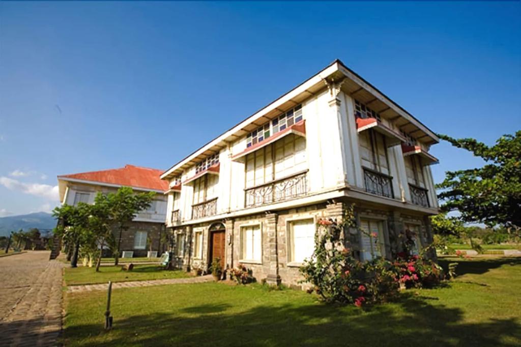 Las Casas Filipinas de Acuzar, Bagac