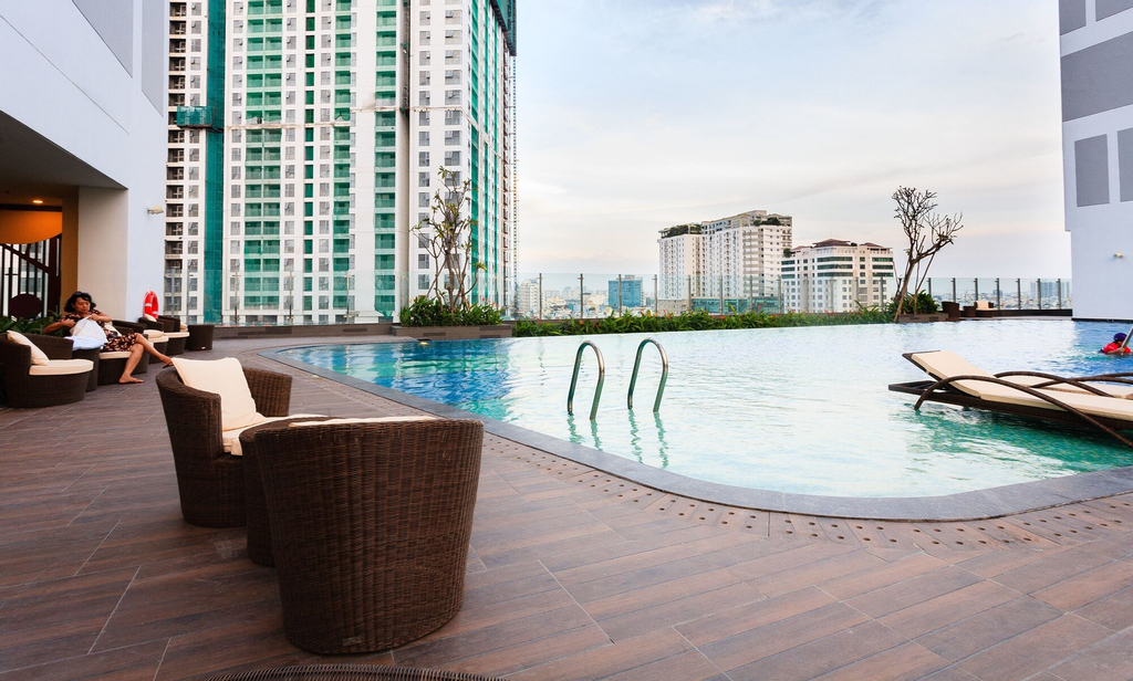 Infinity Edge Pool Rivergate, Quận 4
