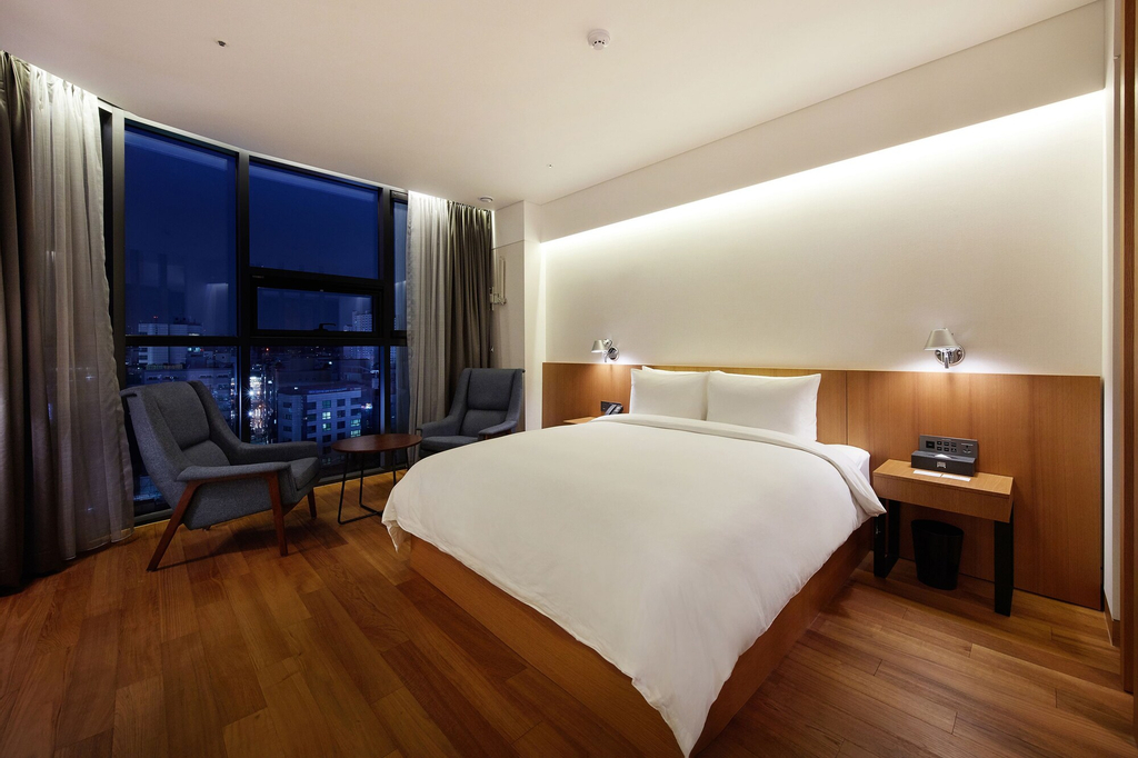Standard Hotel, Mapo