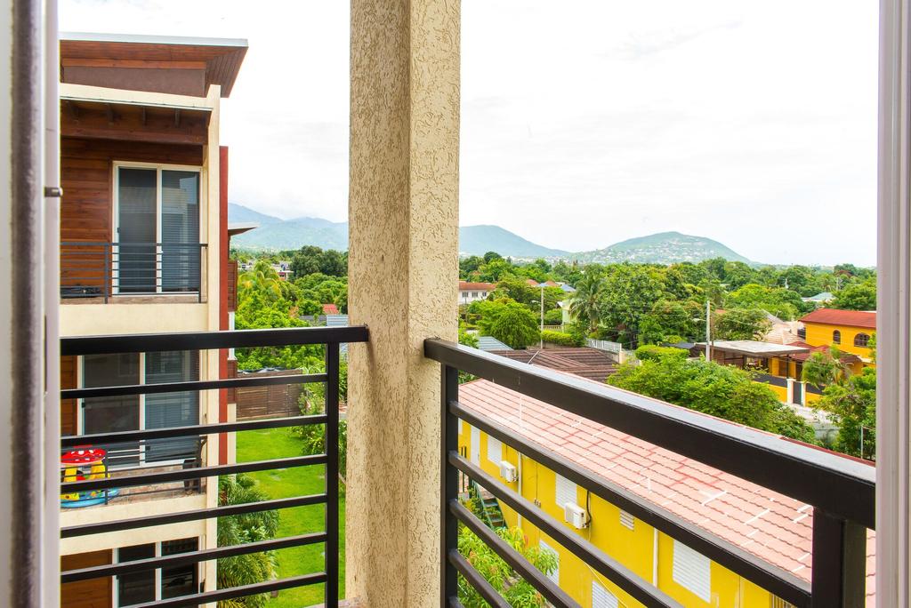 Kingston Modern Duplex Apartment,