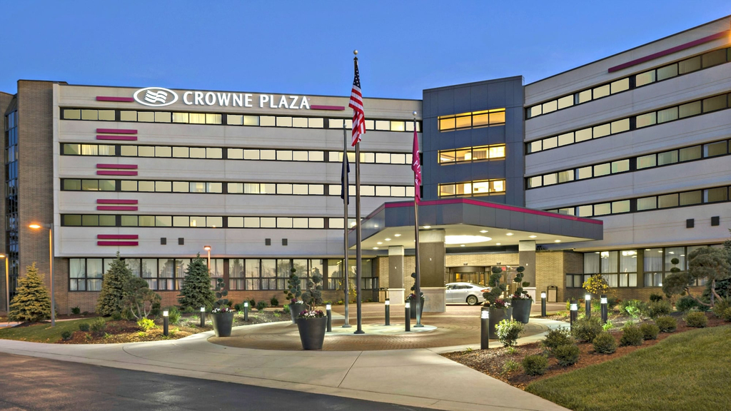 Crowne Plaza Lansing West, Eaton