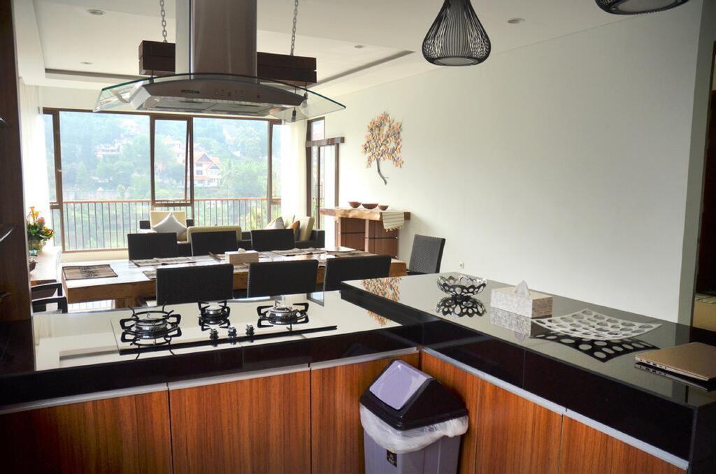 Cempaka 3 villa 6 bedroom, Bandung