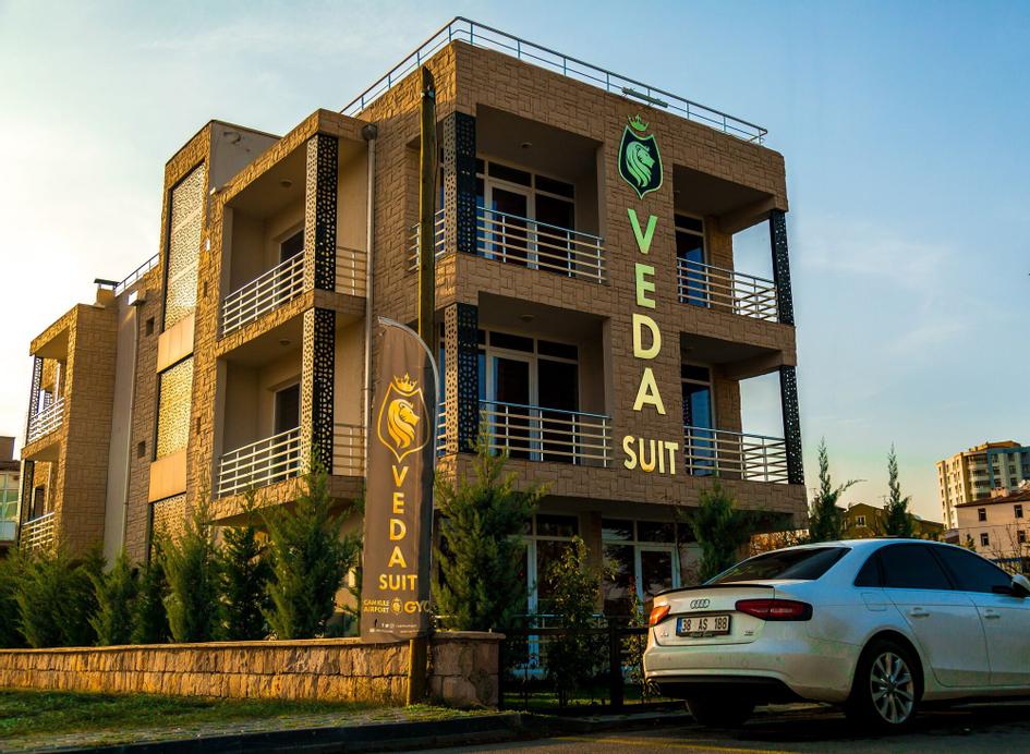 Veda Suit, Talas