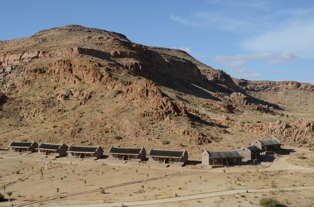 Canyon Village, Karas