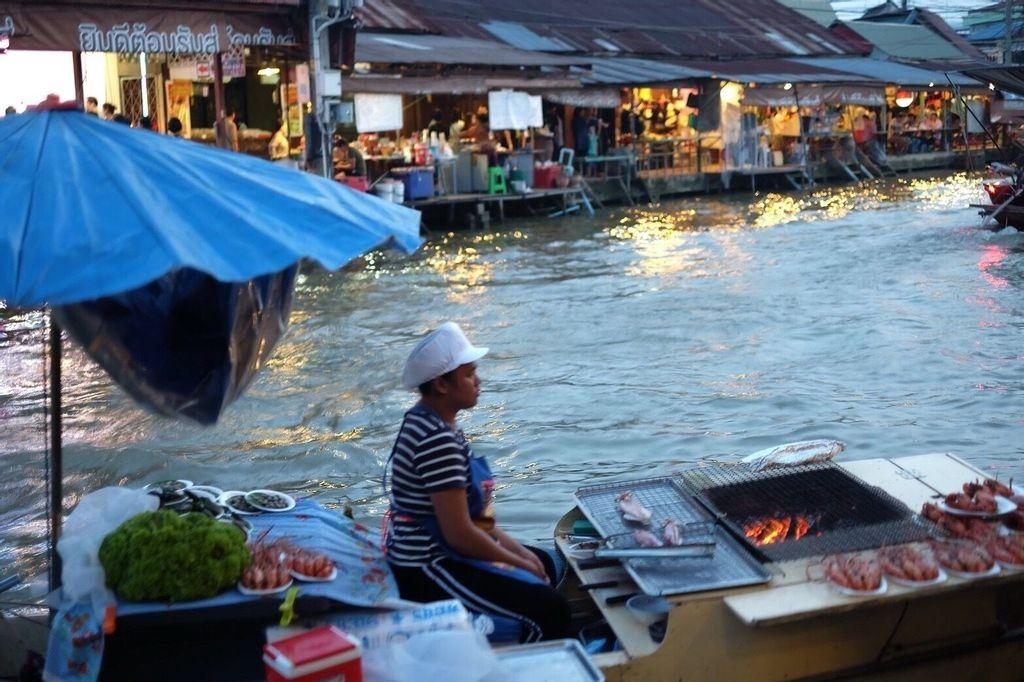 Vayla Samran 2 Amphawa Floating Market, Amphawa