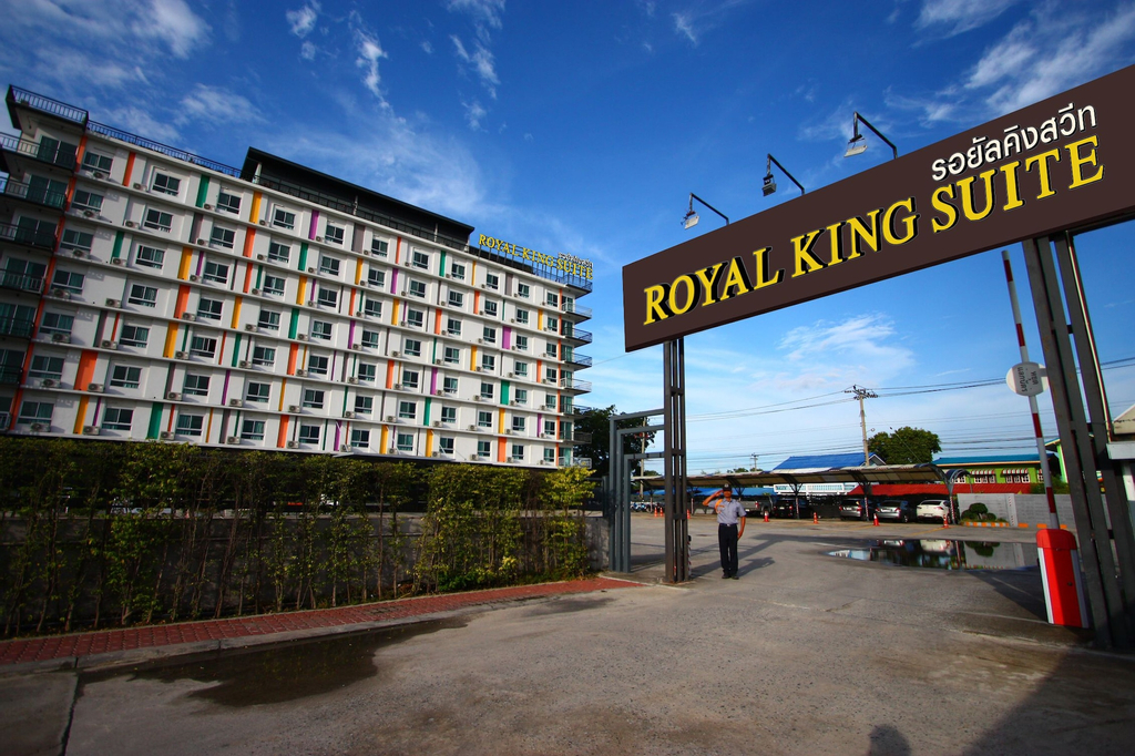 Royal King Suite, Bang Bo