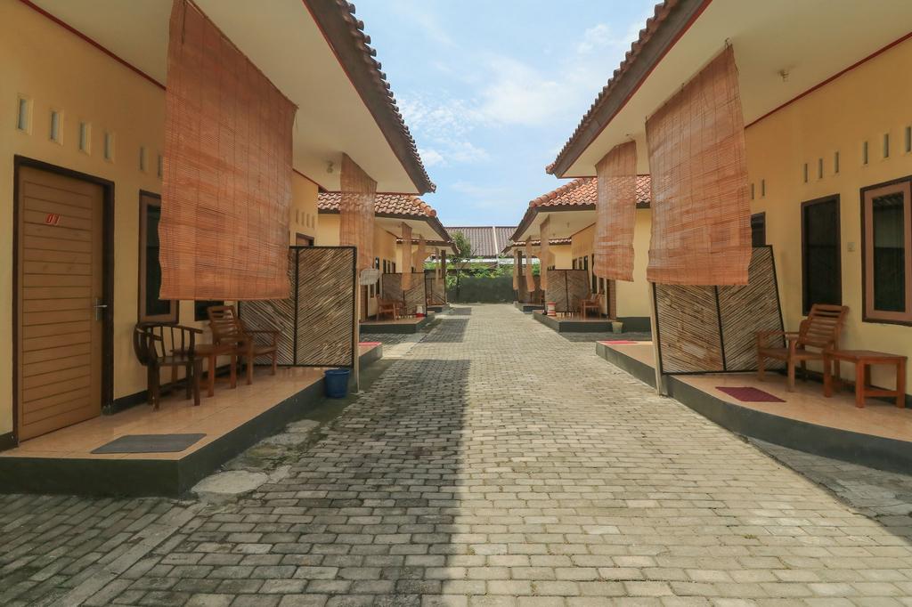 We Are Hotel Mataram, Mataram