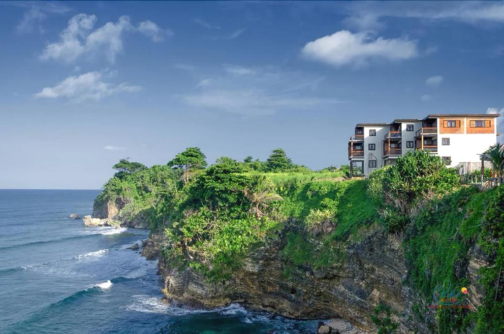 Sea Cliff Resort,