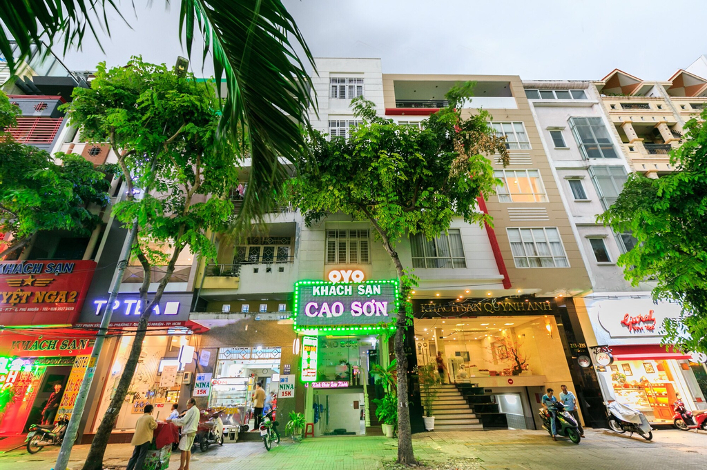 OYO 406 Cao Son Hotel, Phú Nhuận