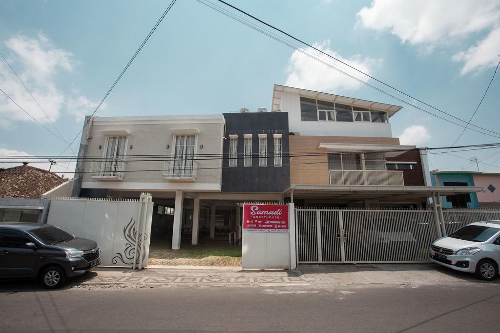 RedDoorz Syariah near Museum Angkut Batu 2, Malang