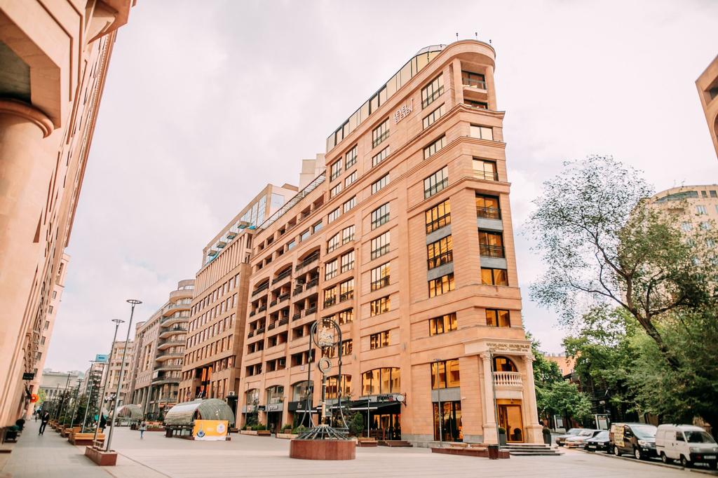 Golden Palace Hotel,