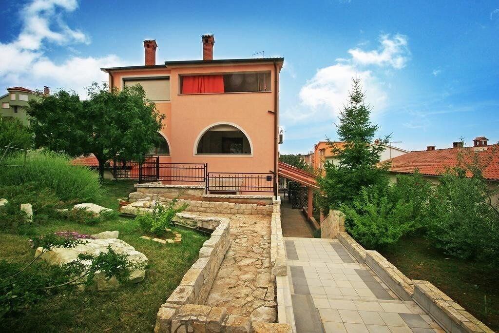 Apartment Fatima 1514, Pula