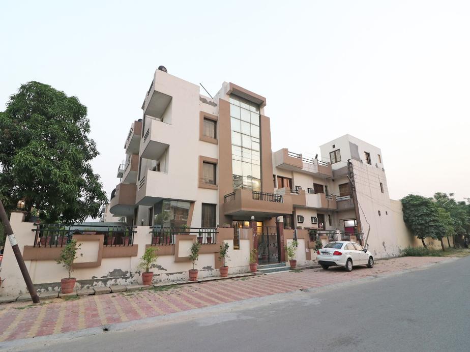 OYO 598 Hotel B K House, Gautam Buddha Nagar