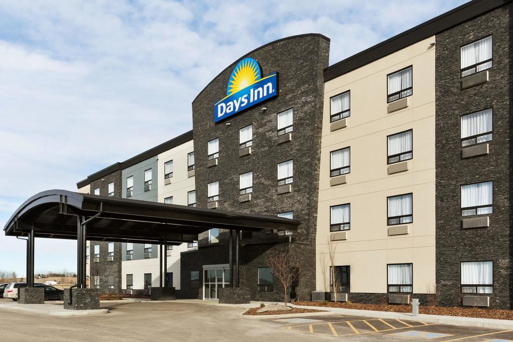 Days Inn by Wyndham Calgary North Balzac, Division No. 6