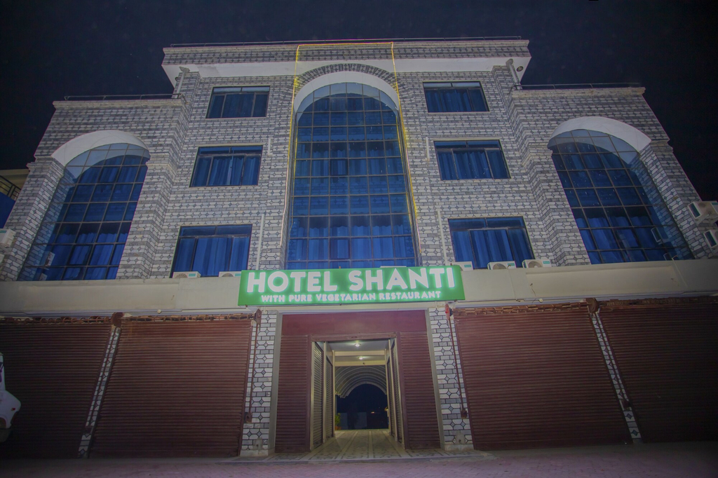 OYO 387 Shanti Hotel, Seti