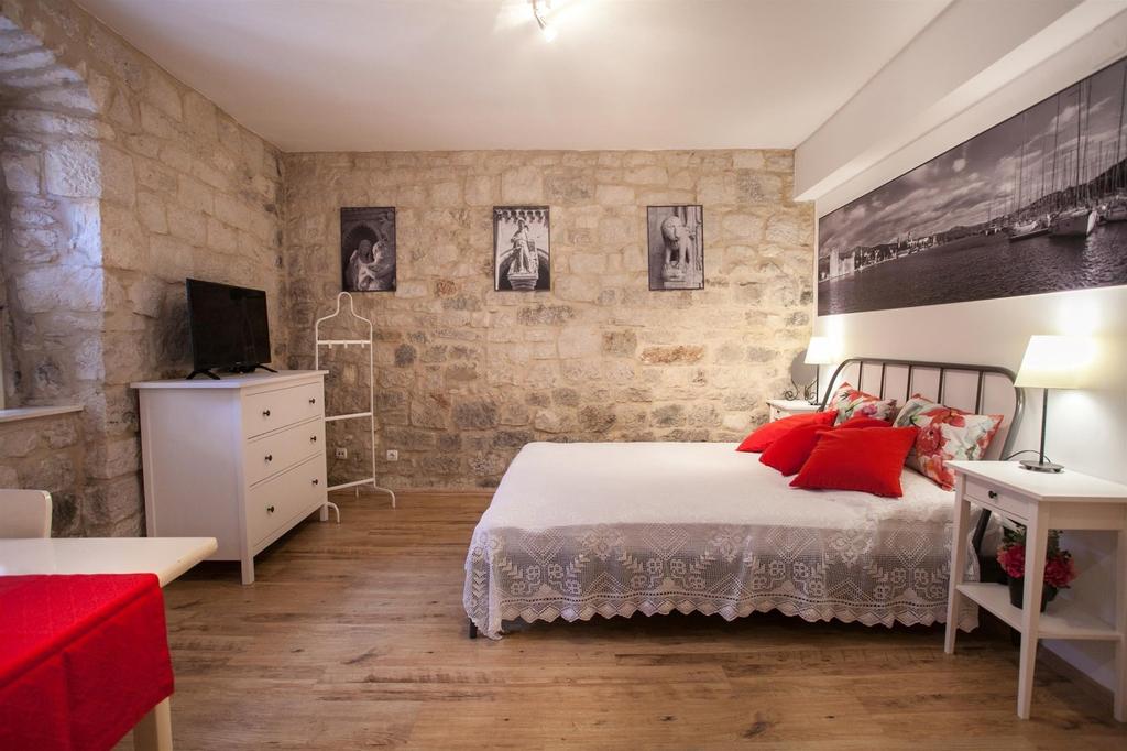 Apartment and Room Ursa, Trogir