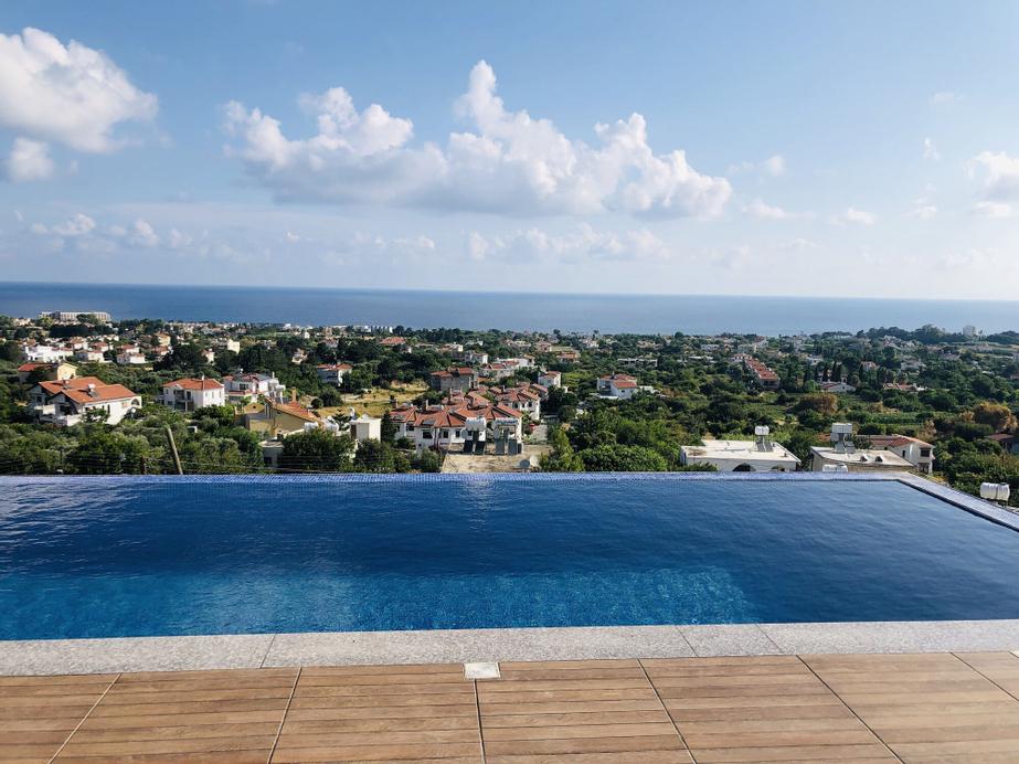 Ultra Lux Sea View Villa in Kyrenia,