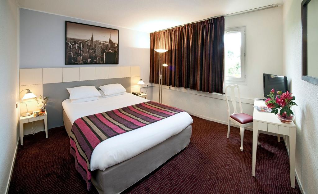 Hotel The Originals Paris Est Golf (ex Qualys-Hotel), Seine-Saint-Denis
