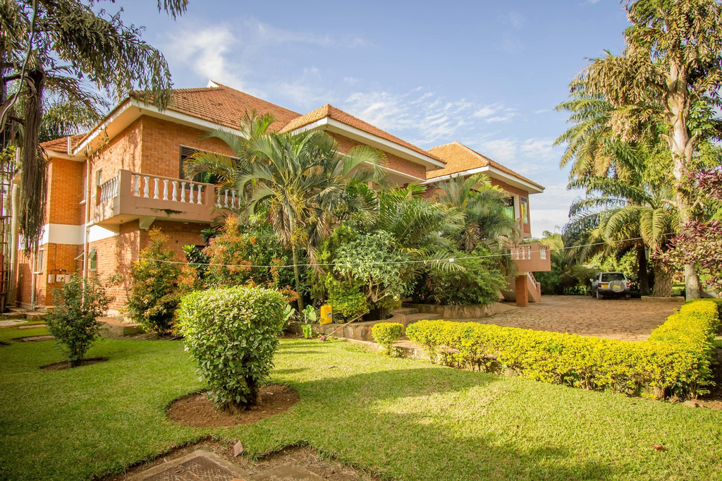 Hibis Hotel, Entebbe